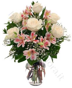 bouquet_gigli_alstroemeria_rose_bianche-247x300