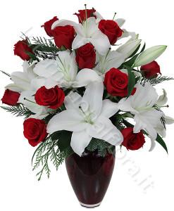 bouquet_gigili_bianchi_rose_rosse-247x300
