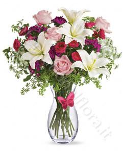 bouquet_gigli_bianchi_roselline_rosse_rosa-247x300