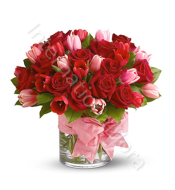 bouquet-di-rose-rosse-tulipani-rosa