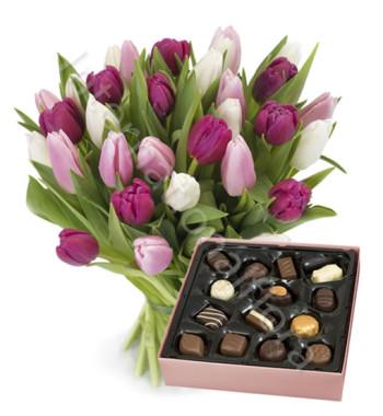 bouquet-di-tulipani-rosa-fucsia-scatola-cioccolatini