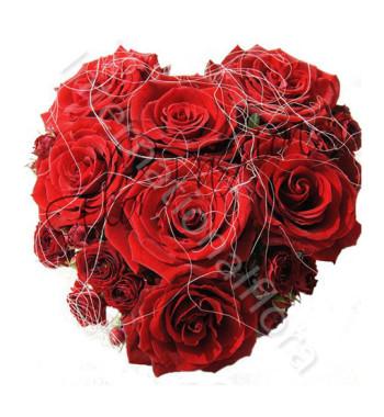 piccolo-cuore-di-rose-rosse