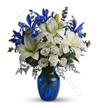 bouquet-di-roselline-gigli-bianchi-iris