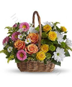 cesto-di-rose-gialle-e-arancio-margherite-e-fiori-rosa-247x300
