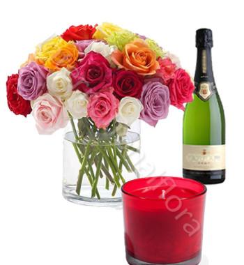 bouquet-di-rose-miste-con-candela-e-spumante
